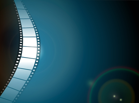 El cine o la tira de la película de la foto con reflejo en la lente sobre fondo oscuro