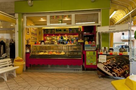 lido: Icecream shop in Lido di Jesolo resort, Italy