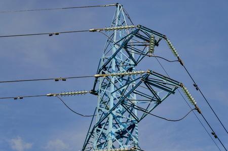 energia electrica: Parte superior de la línea de transmisión de energía eléctrica, Sofía Foto de archivo