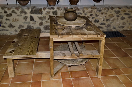 potters wheel: Model of ancient potters wheel in Prevails Mali town Stock Photo