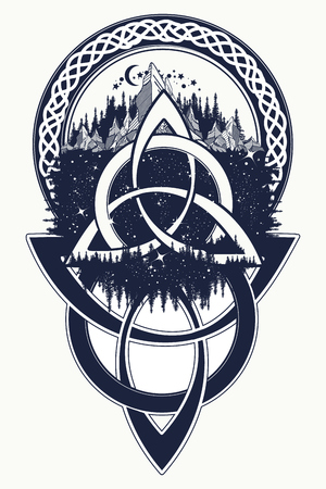 Keltische knoop tattoo. Bergen, bos, symbool, symmetrie, toerisme t-shirt design. Celtic tatoeage in etnische stijl Stock Illustratie