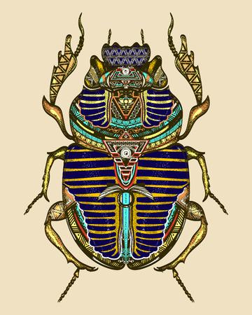 Gouden scarabee kleur tattoo, het oude Egypte art. Geestelijke symbool van de farao, god Ra, t-shirt design. Egyptische heilige insect gouden mestkever, symbool van de zon tattoo Stock Illustratie