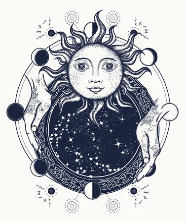 L'arte specchio tatuaggio magico. sole antico, mani Astrologo, fasi lunari. Simbolo di magia, mistero, esoterismo. Sole e le fasi lunari maglietta medievale Archivio Fotografico - 71089661