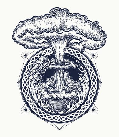 L'art du tatouage explosion nucléaire. Symbole de la destruction et la mort, à la fin du monde, la dernière guerre, le tsunami et explosion nucléaire t-shirt Banque d'images - 71509912