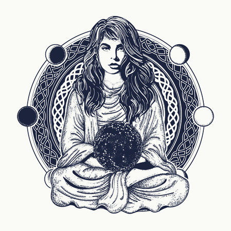 Mujer meditación tatuaje arte. Chica en pose de loto. Símbolo de meditación, filosofía, astrología, magia, yoga. Meditating mujer y esfera de cristal camiseta diseño