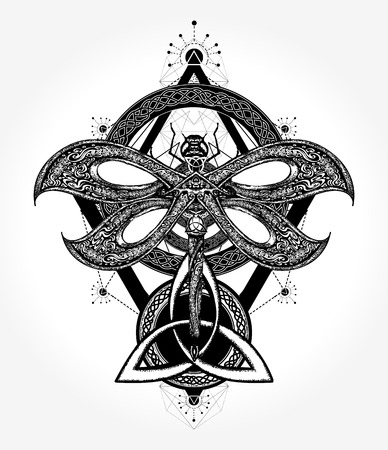 Libelle Tattoo keltischen Stil. Alchemie, Religion, Okkultismus, Spiritualität. Libelle Tattoo-Kunst, Malbücher. Hand gezeichnete mystische Symbole und Insekten Standard-Bild - 85643500