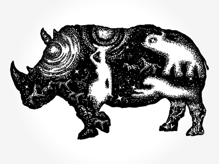 Rhino dubbele blootstelling t-shirt ontwerp. Rhinoceros tattoo art. Symbool Afrika, savanne, reizen. Afrikaanse vrouw, jaguar, olifant