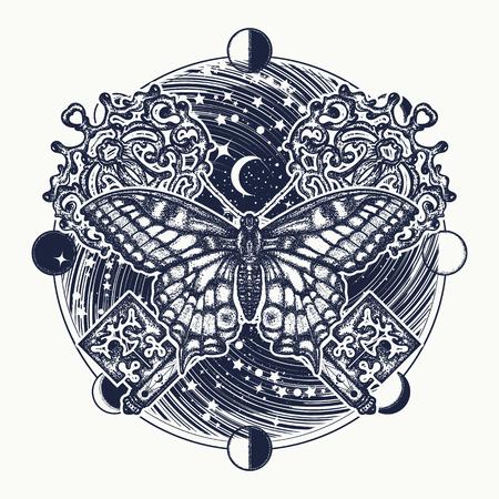 Vlinder, universum en vintage gekruiste sleutel tattoo-kunst. Prachtige boho-stijl met vlindert-shirt. Mystiek symbool van vrijheid, spirituele zoektocht, vlucht, reizen