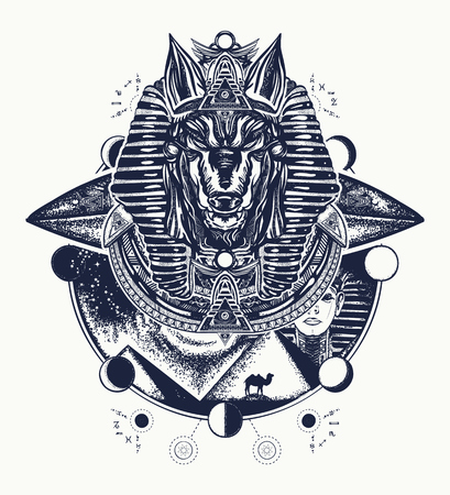 Anubis tattoo en t-shirt ontwerp. Anubis, god van de oorlog, gouden masker van de farao, Egypte tattoo art. Paleo contact concept Stock Illustratie