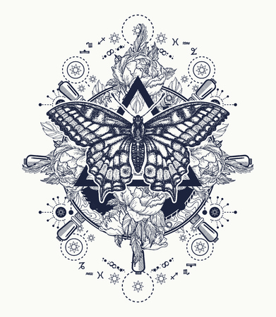 Magische vlinder tattoo kunst. Vrijmetselaar en spirituele symbolen. Alchemie, middeleeuwse religie, occultisme, spiritualiteit en esoterische tatoeage. Magisch vlinder t-shirt ontwerp. Rozen en het roer van het schip