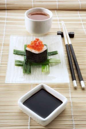 soysauce: Sushi Chu Maki LANG_EVOIMAGES