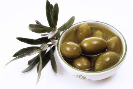 foodstill: Olives in a bowl