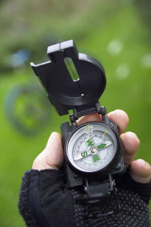 orienting: The mountainbikers compass LANG_EVOIMAGES