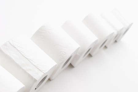 juxtaposing: toilet paper LANG_EVOIMAGES