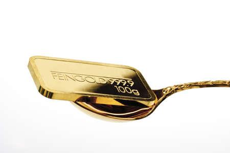 interiour shots: Gold bar on golden spoon LANG_EVOIMAGES