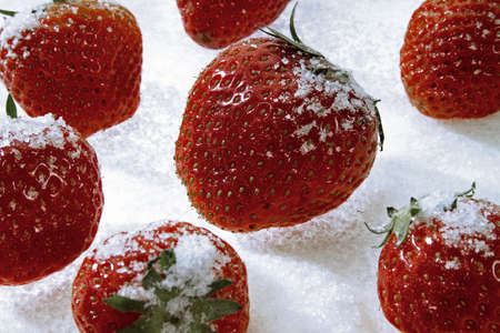 foodstill: sugared strawberries