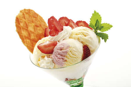 interiour shots: Icecream with strawberries, close-up