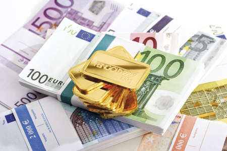 billets euros: Lingots d'or et les billets en euros LANG_EVOIMAGES