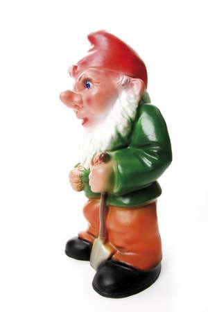 nain de jardin: gnome de jardin avec pelle, close-up