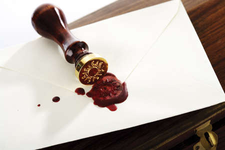 embossment: Making a seal on an envelope LANG_EVOIMAGES