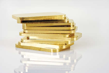 conformance: Gold bars on white background LANG_EVOIMAGES