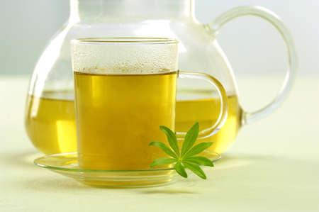 auras: Glass and tea pot of woodruff tea LANG_EVOIMAGES