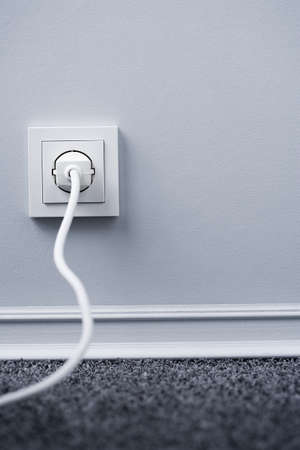 receptacle: Plug in outlet