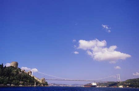 hisari: Istanbul, Rumeli Hisari Castle, Bosporus and Sultan Mehmet Bridge, Turkey LANG_EVOIMAGES