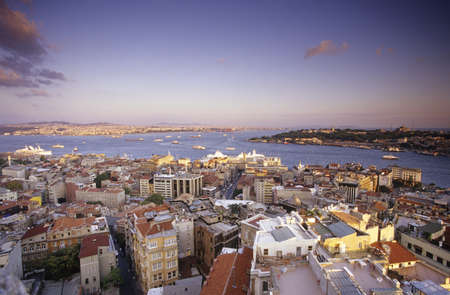 scenaries: Turkey, Istanbul, view of cityscape from Galata Tower