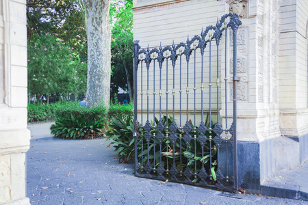 Decorative wrought iron gate or entranceway Standard-Bild