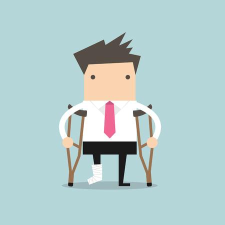 Zakenman gewonden staan met krukken en het tonen van cast op een gebroken been voor de ziektekostenverzekering of revalidatie conceptontwerp