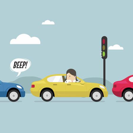 Onderneemster op de weg met opstopping, groen verkeerslicht, toetert een hoorn.