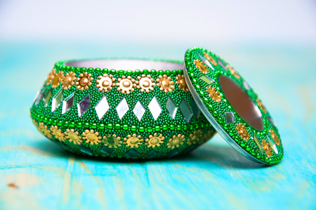 Decorative green casket for jewelry