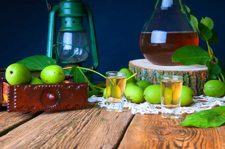 traditional remedy: Healthy homemade walnut tincture