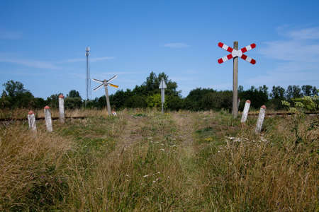 An ungated level crossing. Mainly used by agriculture.