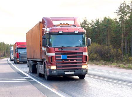 """parked: trekker oplegger vrachtwagens (vrachtwagen) caravan konvooi lijn van """"business voertuigen"""" serie"""