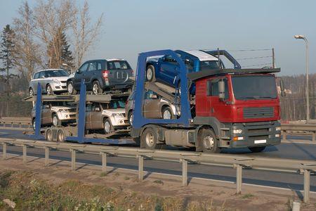 batch: coche cami�n transportista entregar� auto nuevo lote para distribuidor