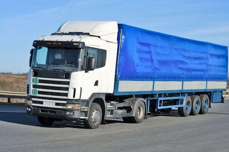 blue truck photo