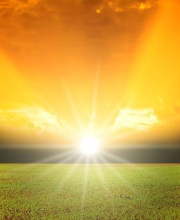 sol radiante: Rayos de la Santa Foto de archivo