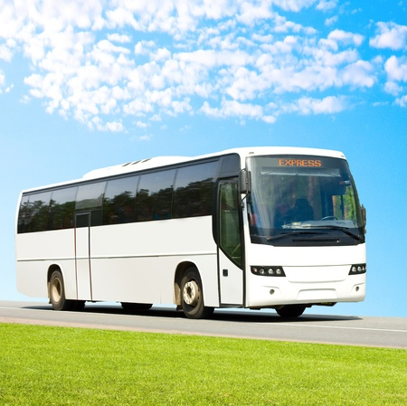 passenger buses: autob�s tur�stico en blanco Foto de archivo