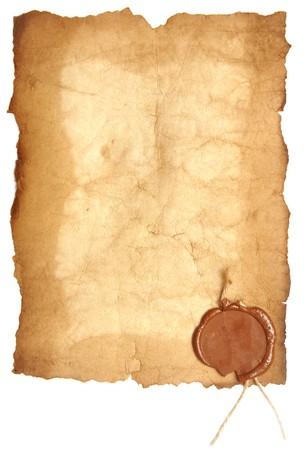oud papier met een lak zegel op een witte achtergrond