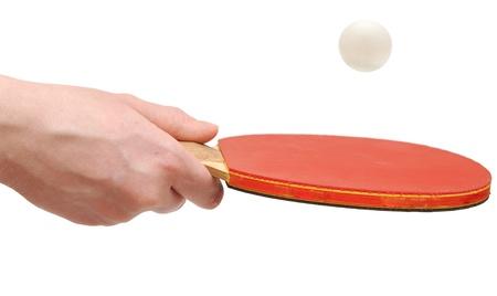 tennis de table: Main tenant bat de tennis de table �quilibrer la balle Banque d'images