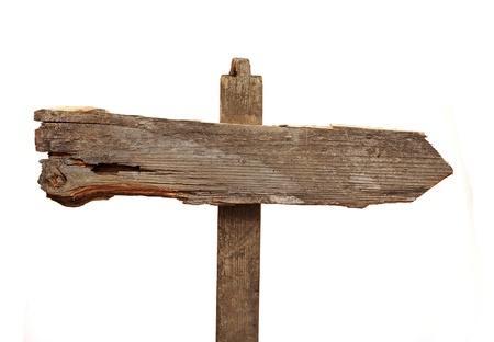 oude houten pijlen verkeersbord geïsoleerd op wit