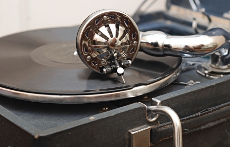 detail of a gramophone needle on a disc photo