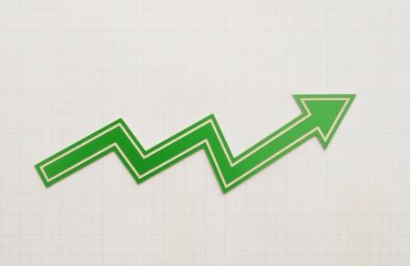 perdidas y ganancias: tabla de resultados en papel cuadriculado