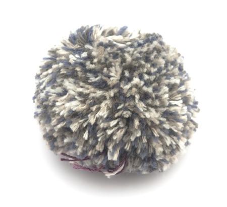 pompon: knitted woolen pompon