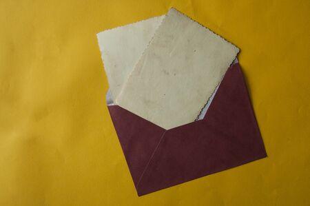 Blank white card with kraft brown paper envelope template mock up Stock fotó