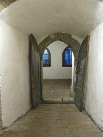 tunel: door with blue windows