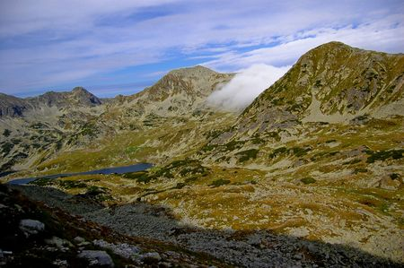 trecking: peaks invaded by fog