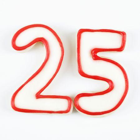 twenty five: Galletas de az�car en forma de veinticinco el n�mero se indica en rojo guinda.